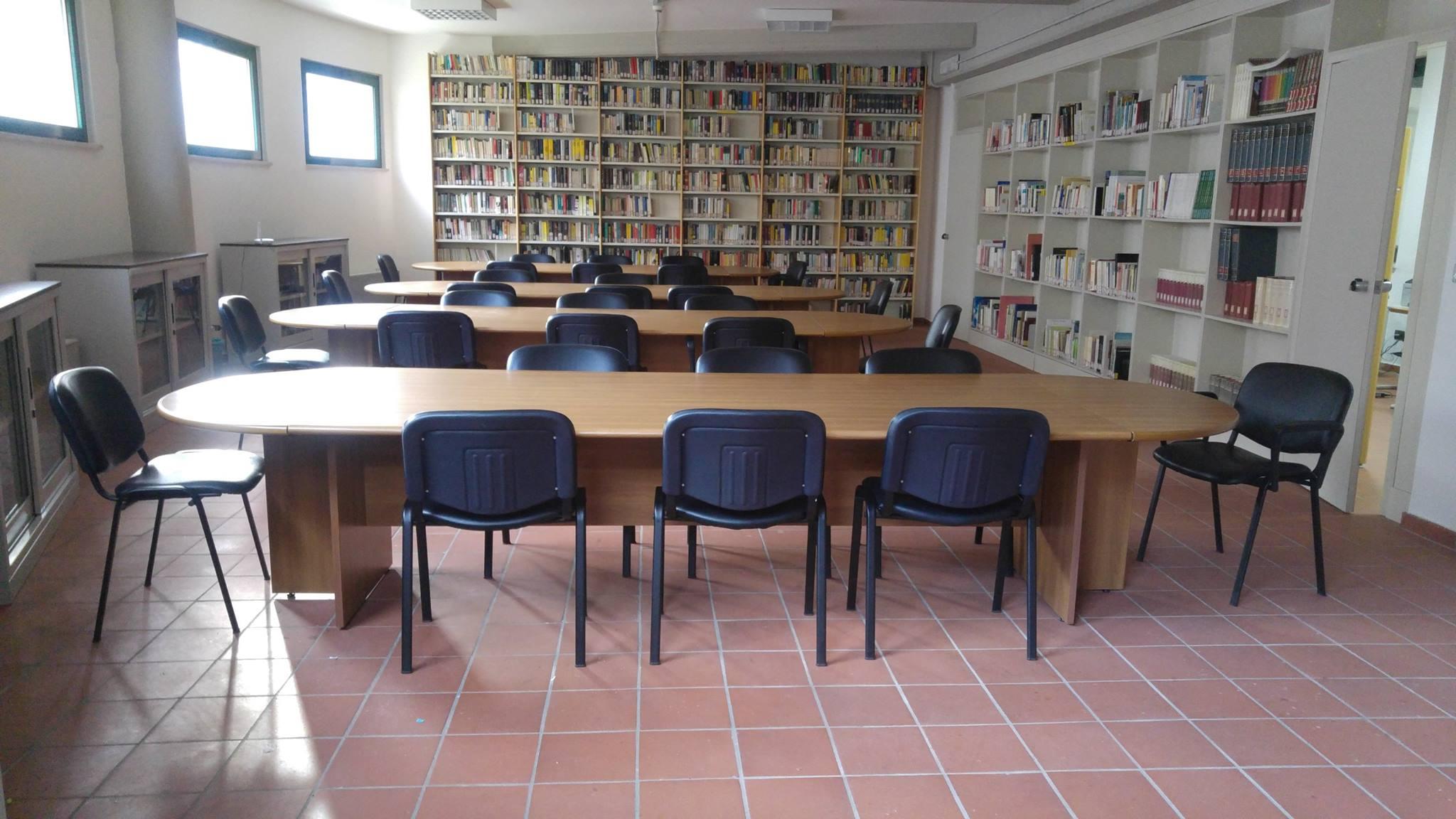 biblioteca-carpineto1