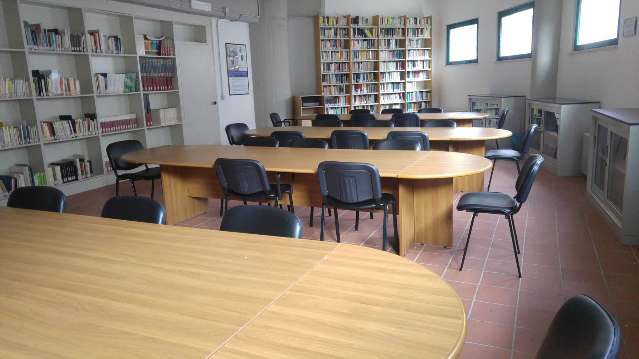 biblioteca-carpineto2