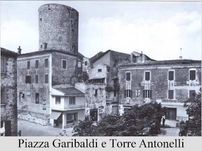 piazza-garibaldi-e-torre-antonelli