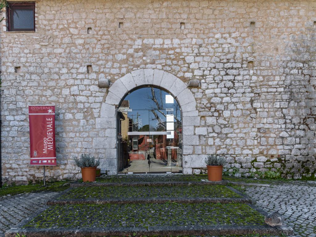 museo-medievale-entrata