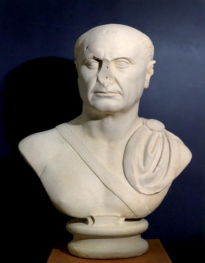 Fig.6 : Ancora un marmo da Privernum 'scoperto, disperso e ritrovato': busto di L. Iulius Ursus - età traianea (calco). Priverno, Museo Archeologico da originale ai Musei Vaticani.