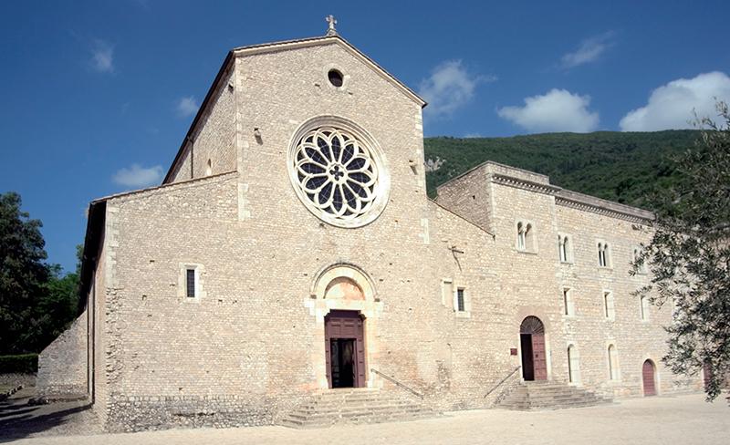 21 – Sermoneta, Abbazia di Valvisciolo: facciata, sec. XIII.