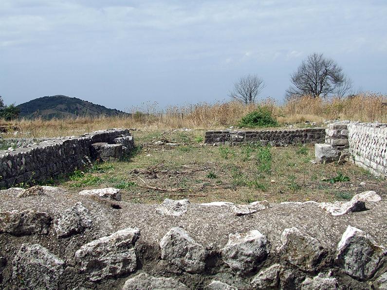 5 – Artena, Piana della Civita: ruderi di villa rustica, seconda metà I sec. a.C.