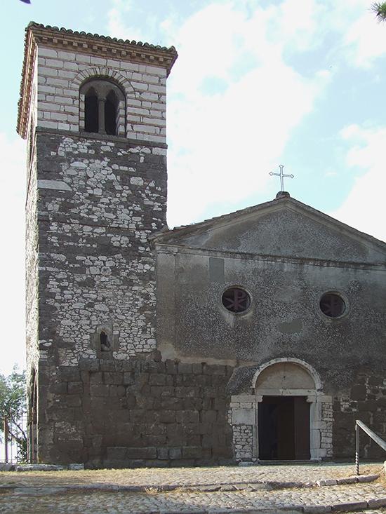 9 –  Segni, Chiesa di S. Pietro: facciata e campanile, sec. XII-XIII.