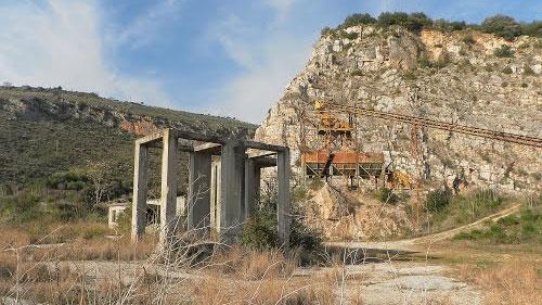 L'ex cava di Sezze dove sono state rinvenute impronte di dinosauro