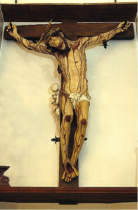 """ill.12 : Santuario del Crocefisso, """"il Crocefisso ligneo""""."""