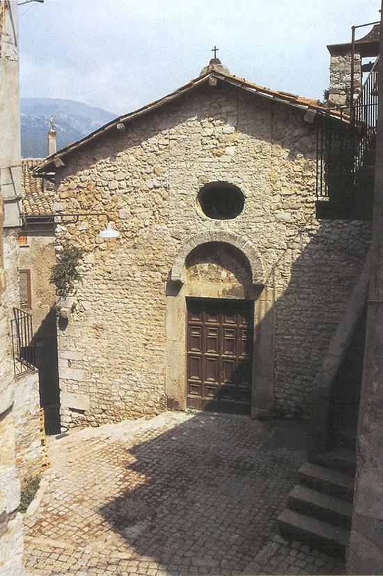 ill.1 : Chiesa di S.Maria della Piazza, la facciata.