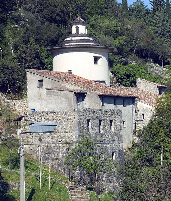 ill.9 : Santuario del Crocefisso.