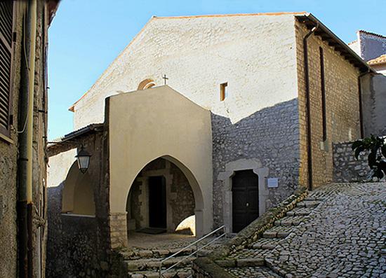 ill.13 : Chiesa di San Michele Arcangelo, facciata, secc. XII-XIII.