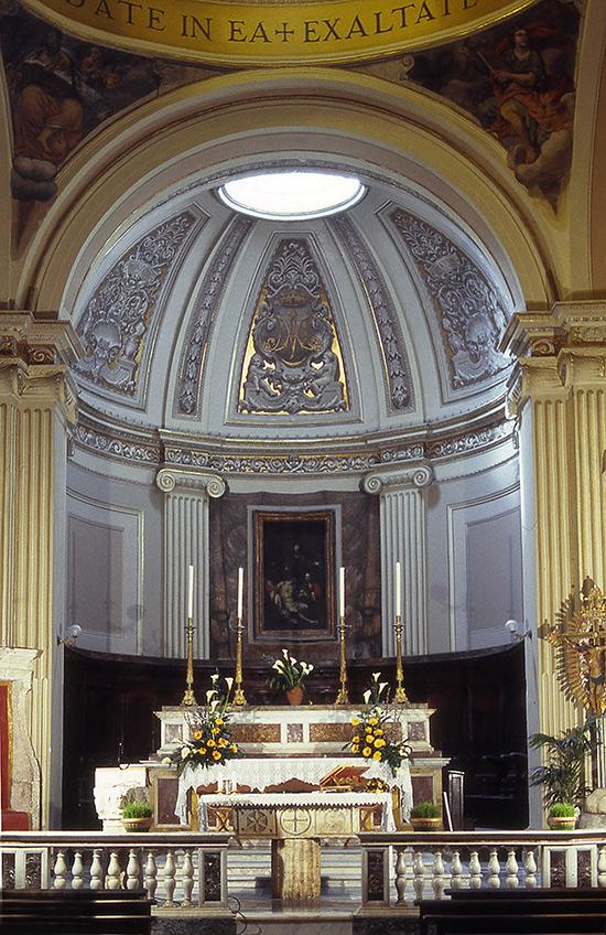 ill.6 : Chiesa di Santa Maria della Pietà, l'altare maggiore.