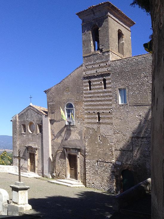 ill.10 : Sant'Oliva e la Cappella del Crocifisso, facciata.