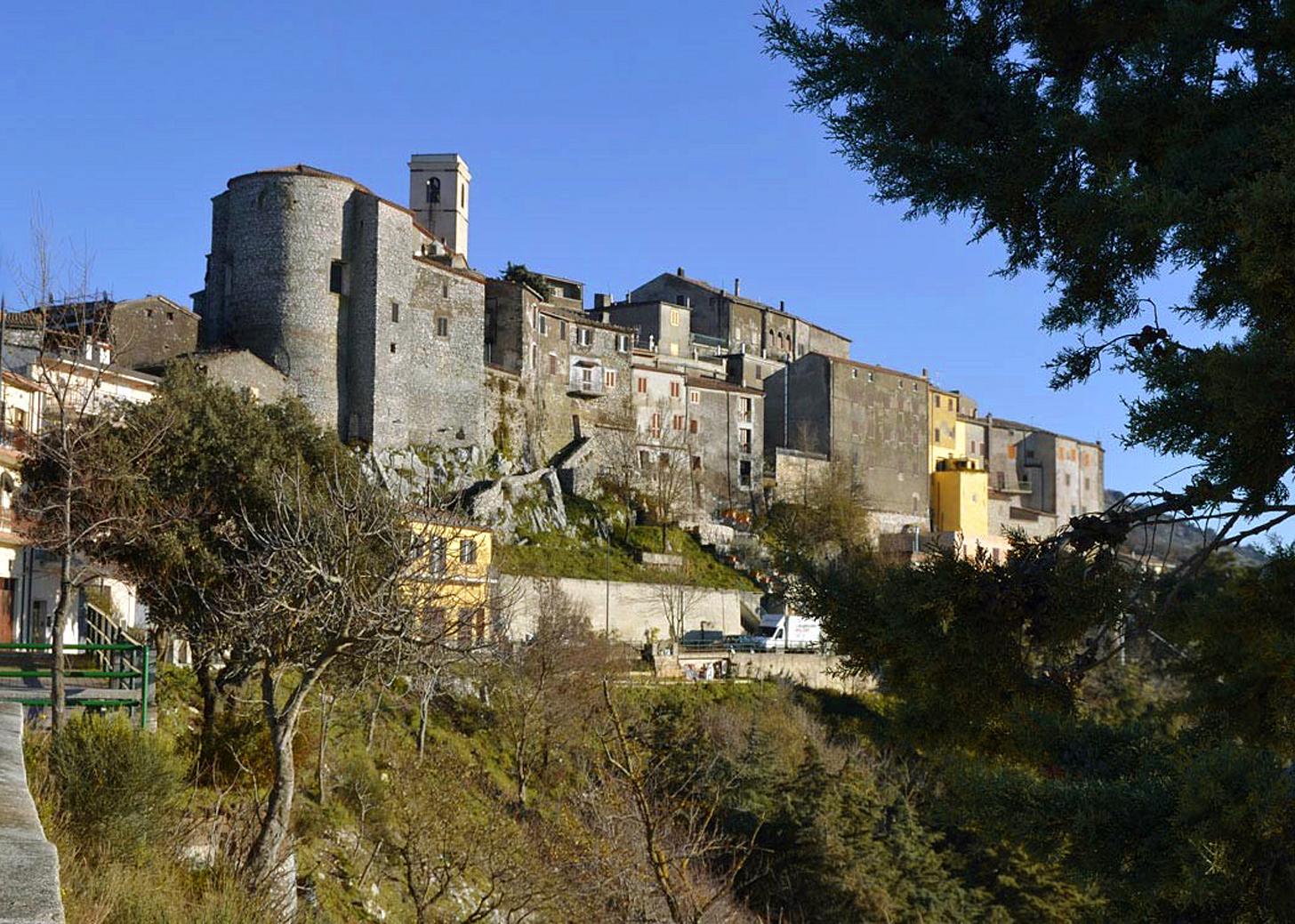 ill. 1: veduta di Rocca Massima