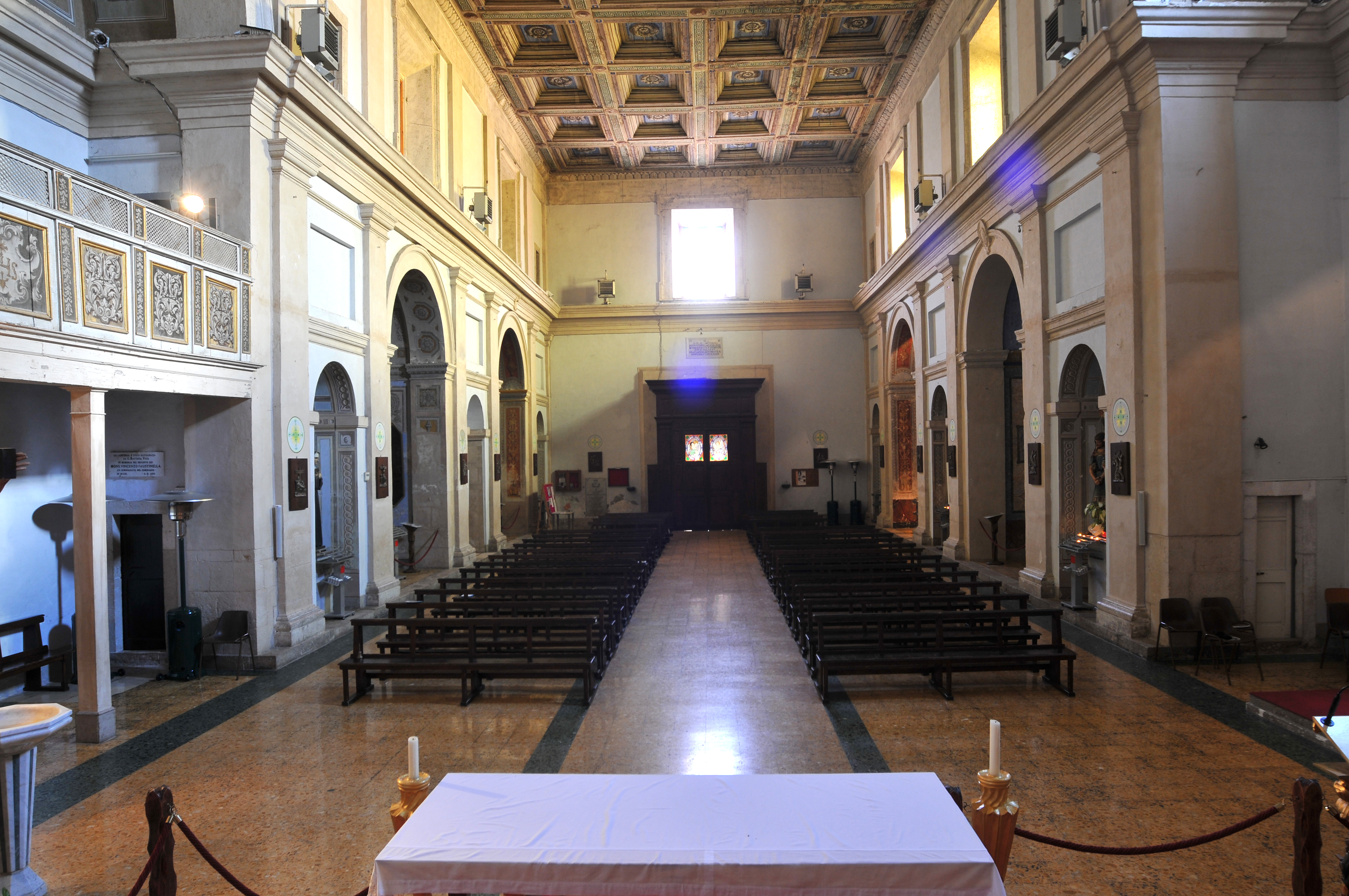 ill.18: Chiesa dei SS. Pietro e Paolo, navata