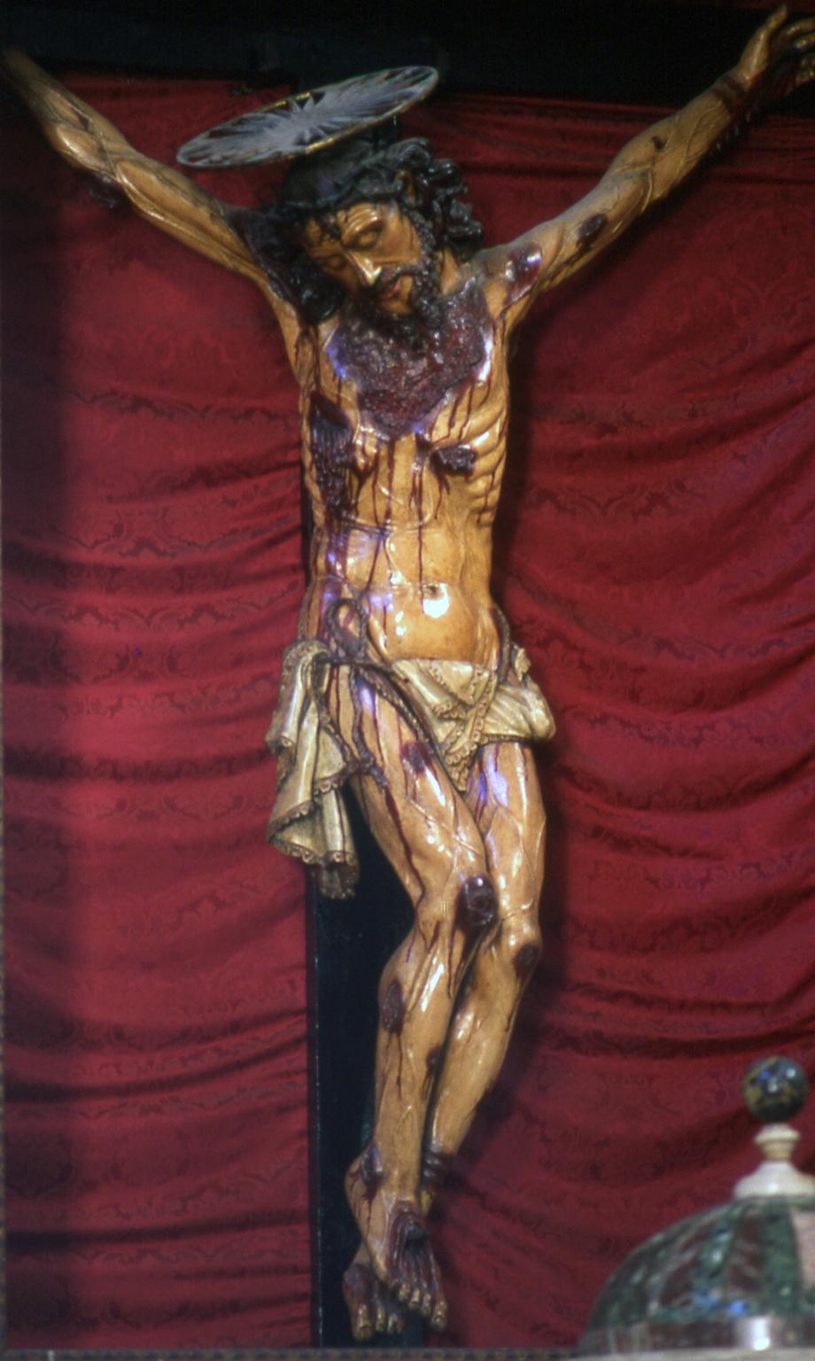 ill. 3: G. Baccari (?) 1672-1673, Crocifisso, legno scolpito e dipinto