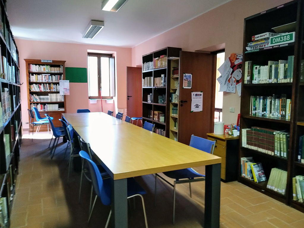 biblioteca-maenza-1