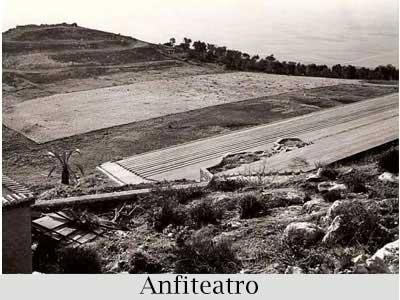 collage-paese-antico-anfiteatro