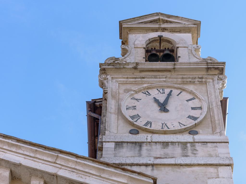 Chiesa San Pietro orologio