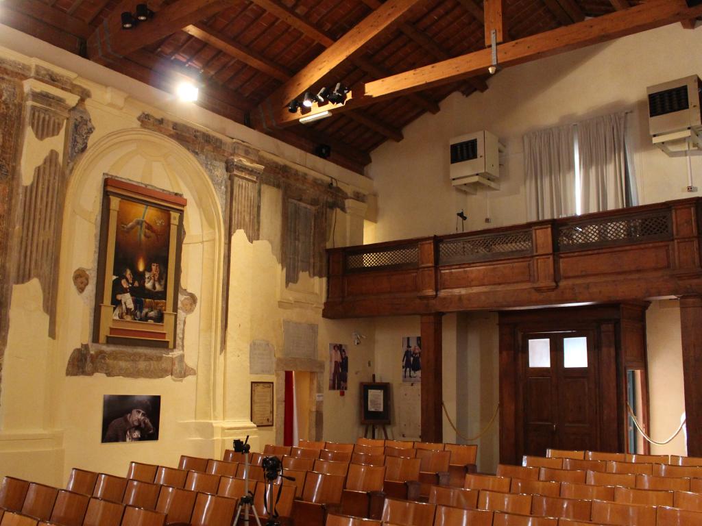 San Michele Arcangelo- Interno