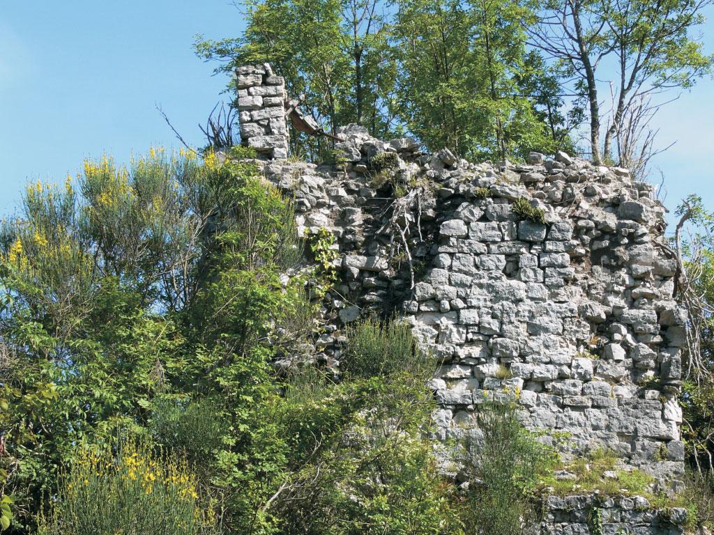 Castello di Collemezzo - Foto di passeggiando sui Monti Lepini