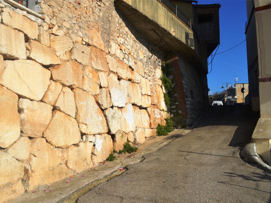 Mura Via del Guglietto