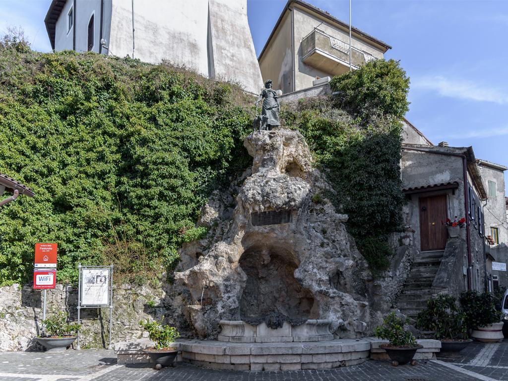 Fontana della pastorella