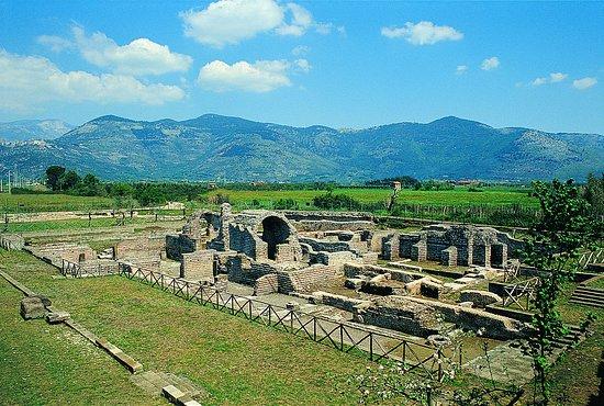 PASQUETTA NELL'AREA ARCHEOLOGICA PRIVERNUM @ Area Archeologica Privernum | Priverno | Lazio | Italia