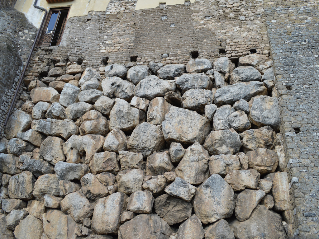 mura-poligonali-1024x768