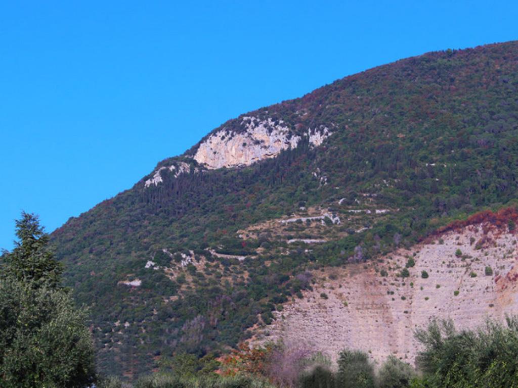 Sentiero Valvisciolo - Mura poligonali