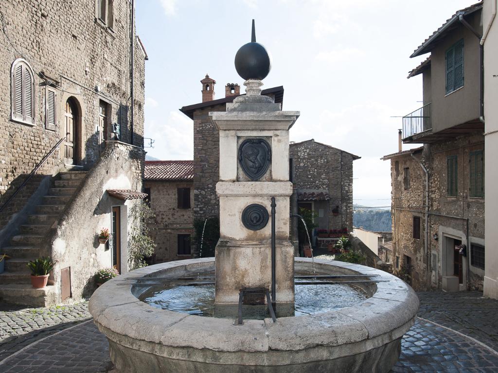 piazza-monte-pio3