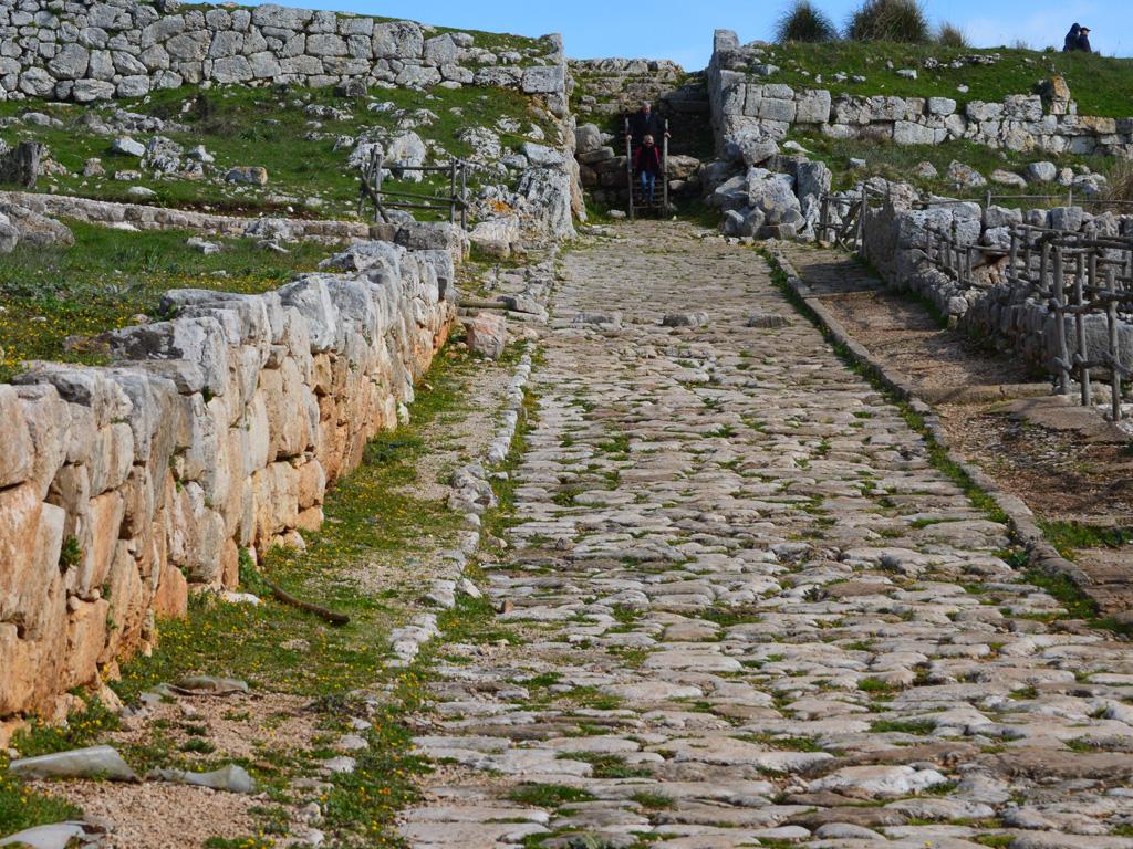 via-di-accesso-allacropoli-minore-1024x768