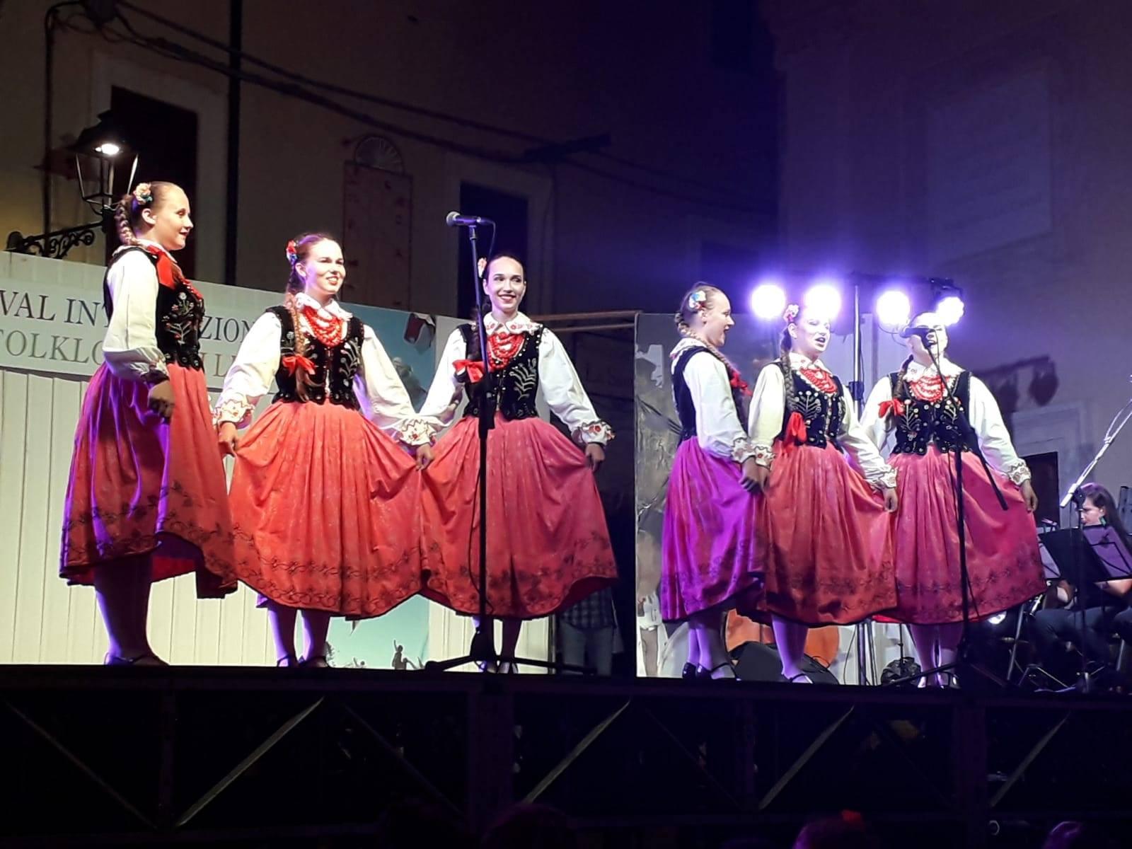 festival-folklore-2
