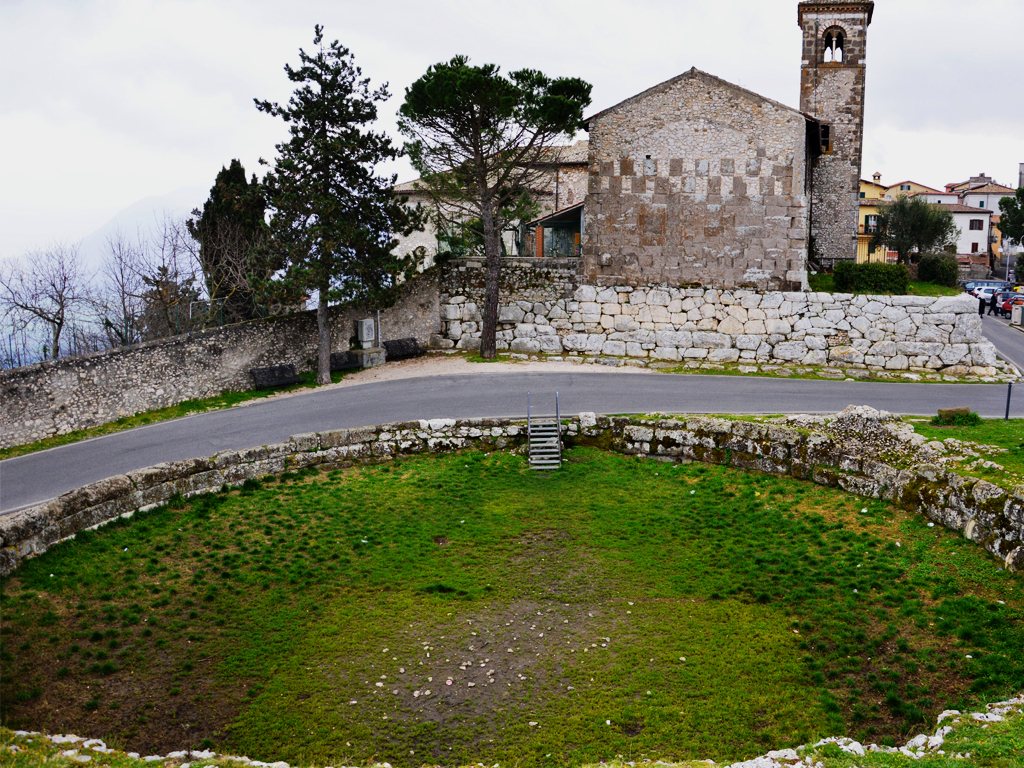 Segni, una veduta del grande bacino circolare