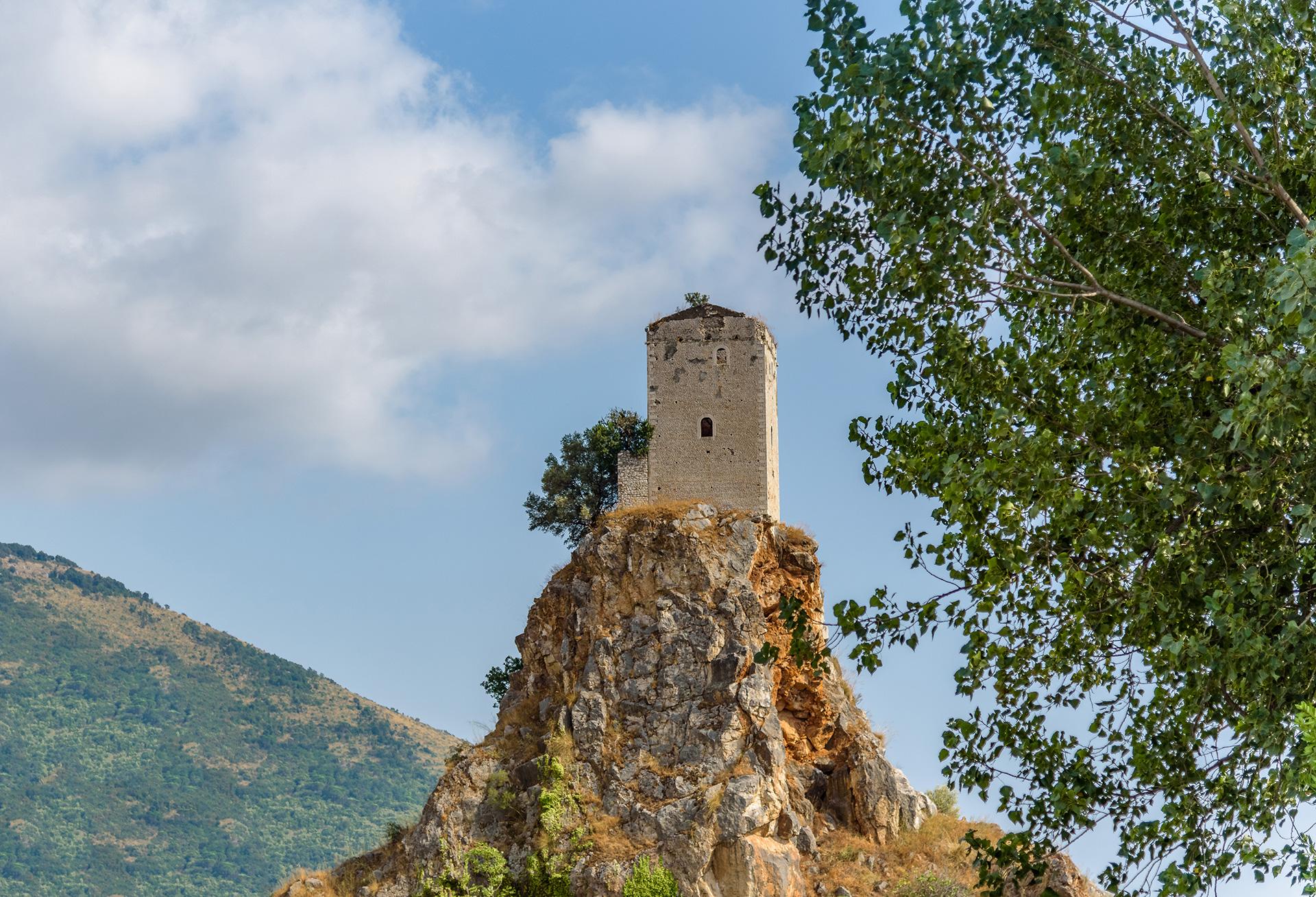 torre-montichcio-sermoneta