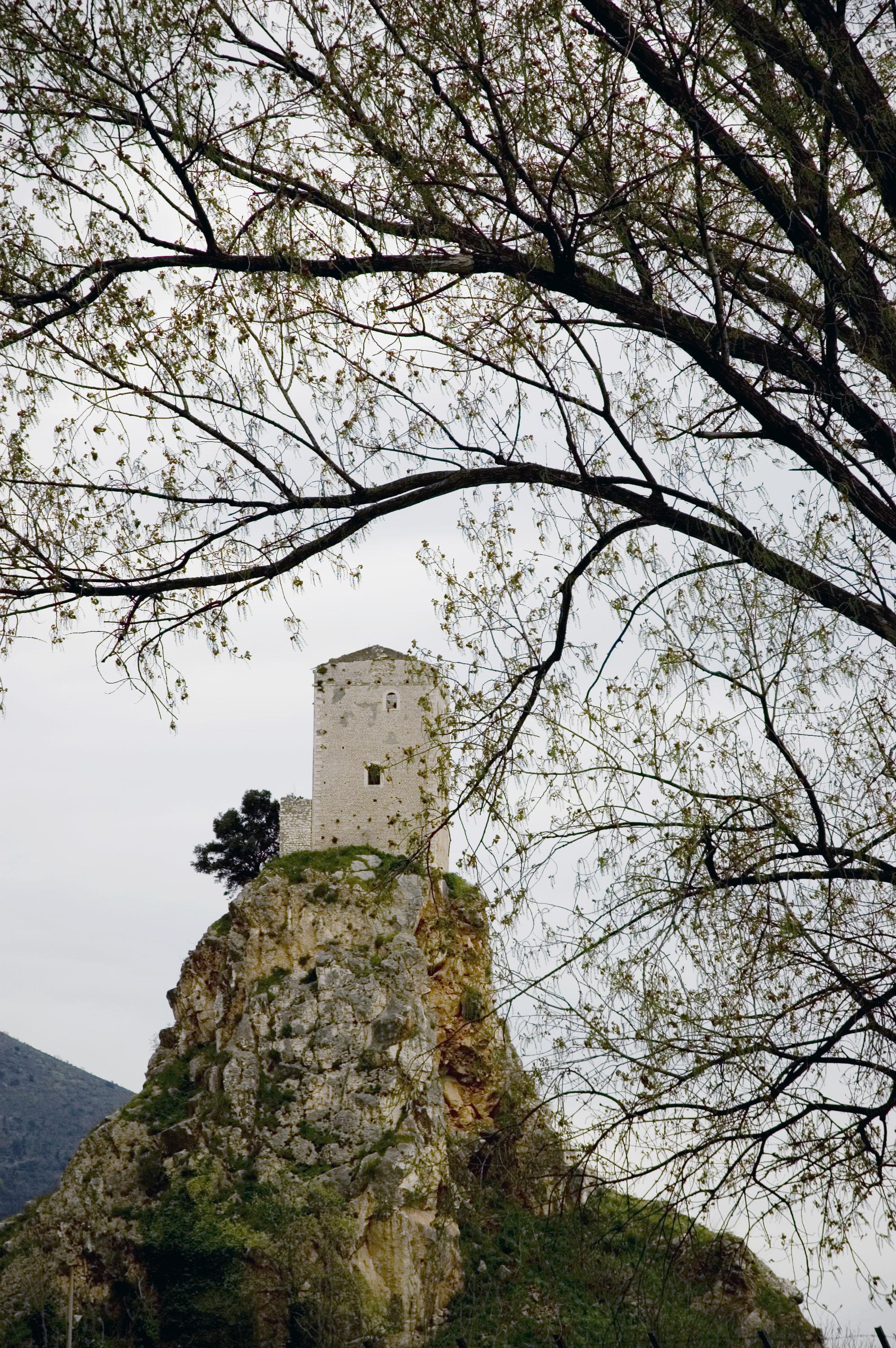 sermoneta-torre-monticchio