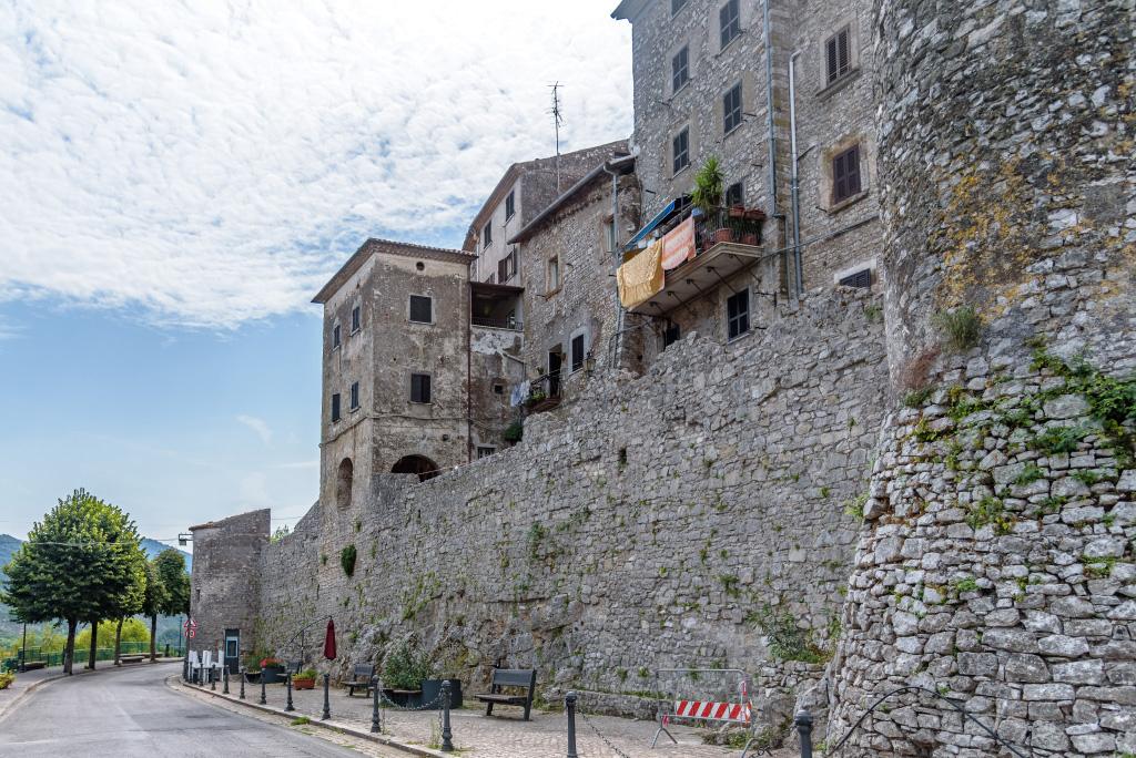 bassiano-via-delle-mura-2
