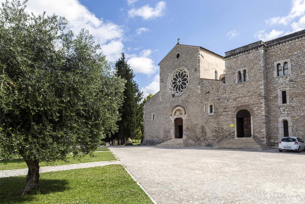 sermoneta-abbazia-di-valvisciolo