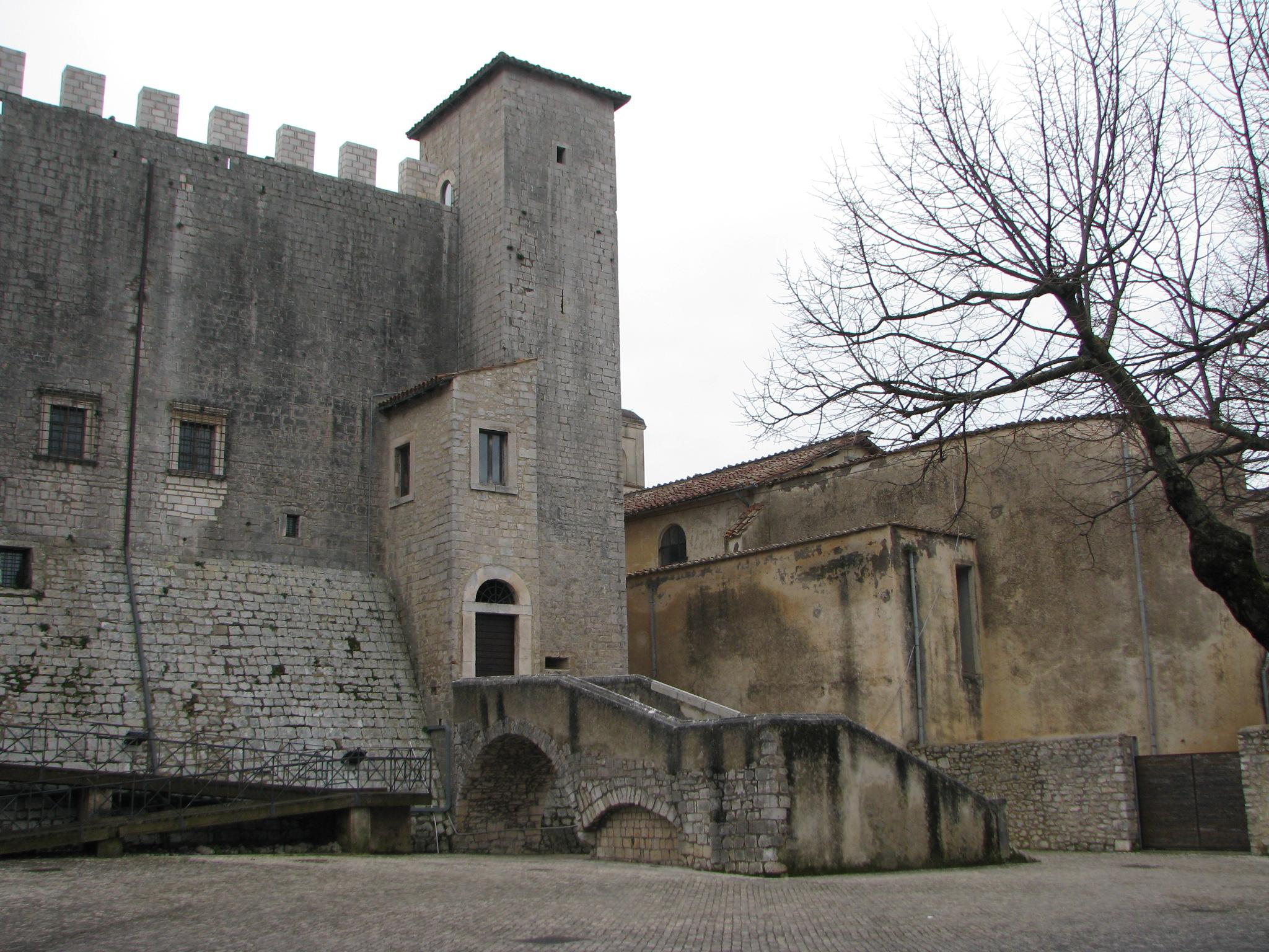 castello_baronale_di_maenza_1_1546874734